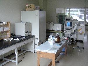 遺伝子実験室3
